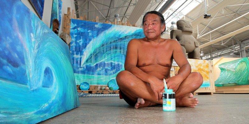 le-peintre-mayumi-tsubokura-expose-ses-oeuvres-sur-le-campus_3363022_800x400